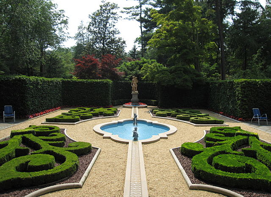 The 9 most luxurious gardens around the world for Hillwood estate museum gardens
